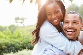 zufällige Berührungen verliebt, Freundschaft oder doch mehr, Bedeutung der zufälligen Berührung